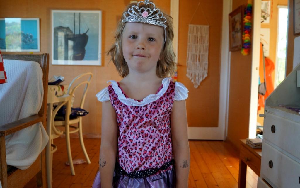 Astrid klädde ut sig till prinsessa i all ära